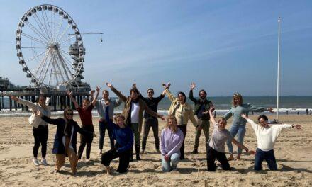 Raadsels oplossen op het strand: De Studiereis van LDE 6